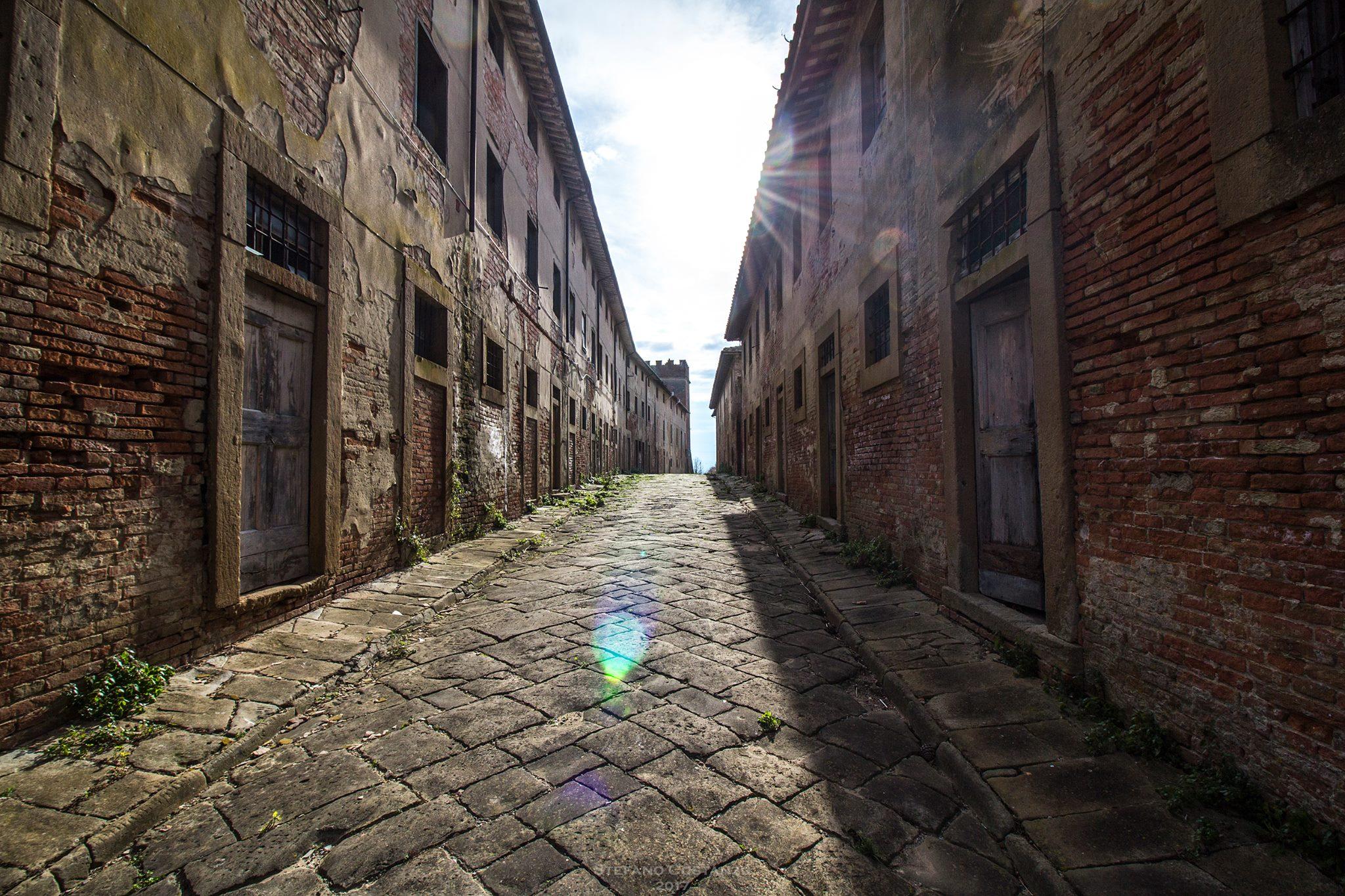 I paesi abbandonati di Toiano e Villa Saletta